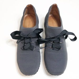 L'amour DesPieds Gray Stretch Fit Walking Shoes